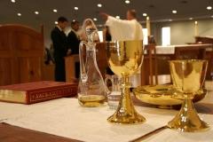 sacrament-338987_1280